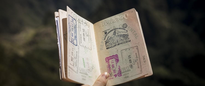 Abogados especialistas en extranjería en Madrid. Obtener y tramitar la nacionalidad española y la residencia en España.